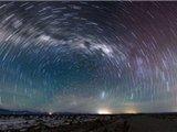 阿塔卡马沙漠夜景美如画
