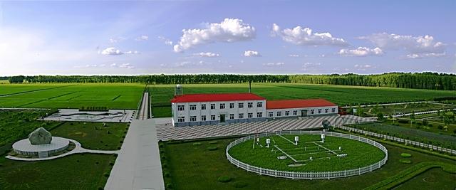 �9o#��.��-y��_二九0(290农场)农场位于黑龙江省东部地区的松花江和黑龙江交汇处.