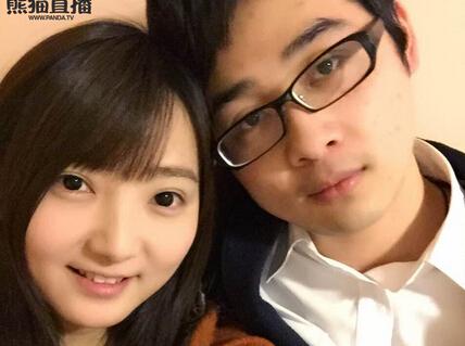上熊猫直播看DOTA2沐沐&老党花式虐汪