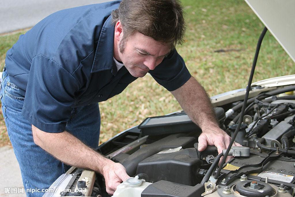 汽车修理工工资 汽车修理工初级证书 汽车修理工 卡通高清图片