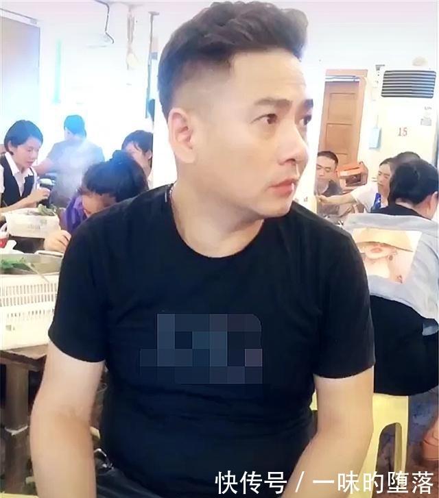 女儿晒自己51岁的爸爸,网友:好年轻,看着像30多岁!