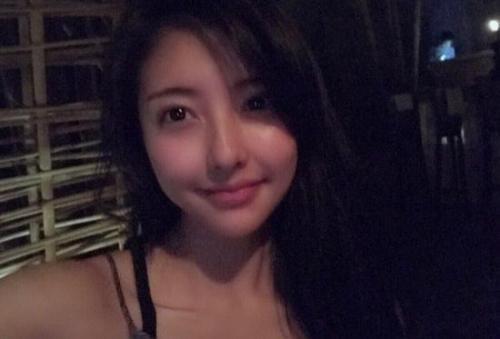 王思聪前任豆得儿上《快本》被批脸僵,微博回怼网友!