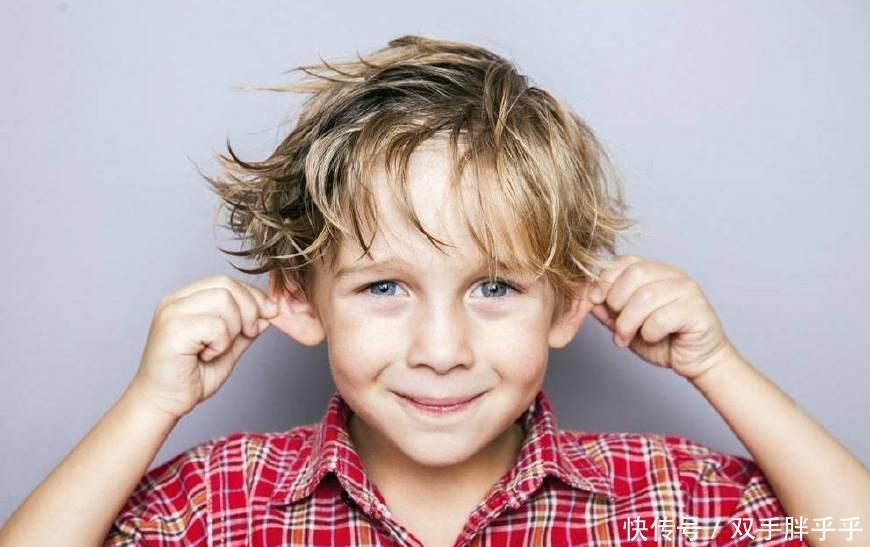 男孩子普遍不如女孩子爱学习,而且男孩子叛逆起来让人很头疼,妈妈毕竟