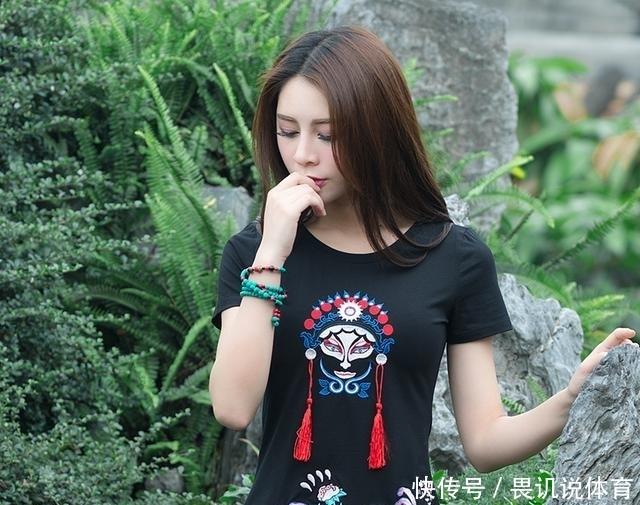 厌倦了韩版服装的千篇一律,不如来一套清新优雅的中国风