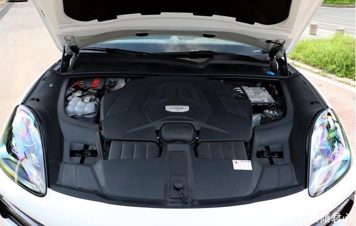 保时捷catenneS上市,定位中大型SUV,内饰极致奢华彰显设计