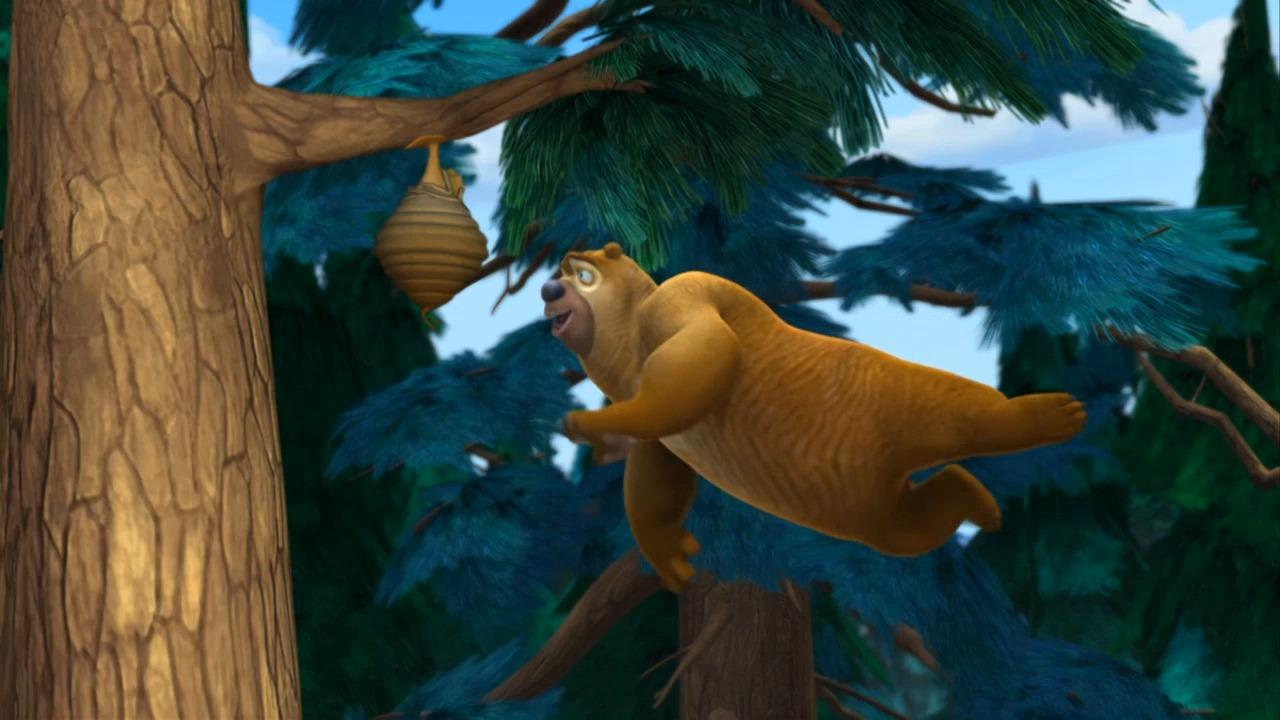 熊二学会飞行,采蜂蜜直接飞过去!