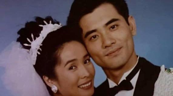 李安早在24年前,就拍了「中国伴娘之死」的真相。
