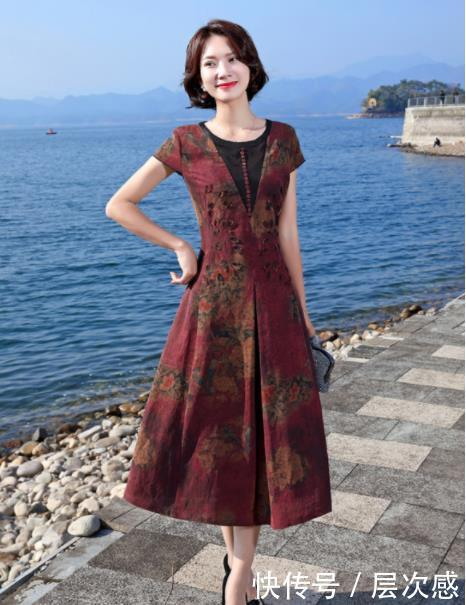 奔五奔六的女人也别服老!试试这样的穿搭,演绎古典优雅之美