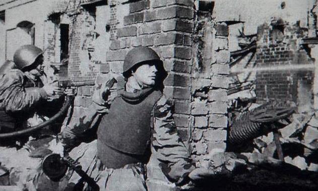 二战德国打苏联顺风顺水,怎么突然就败了!真的