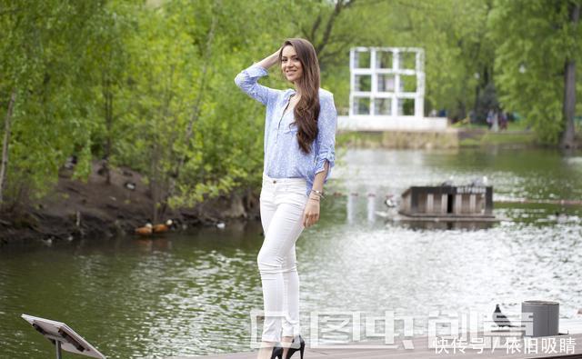 穿白裤子很仙,但是穿搭不好会显矮又显胖,这才是正确打开方式