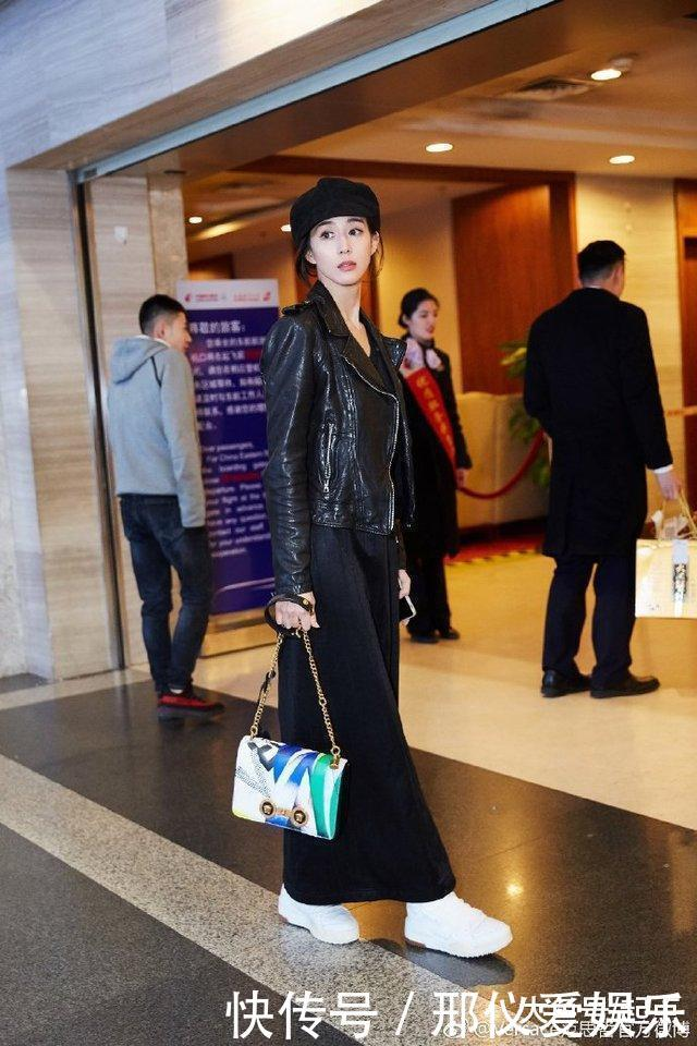 运动潮牌搭精品, 张钧甯机场时尚很会穿