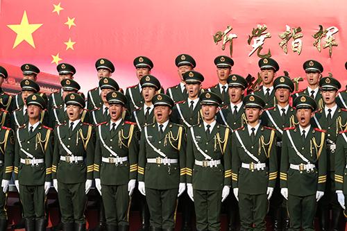 """儿童活动中心于2014年8月8日,在""""中国梦赋莲炫舞海南文化进万家""""展演"""