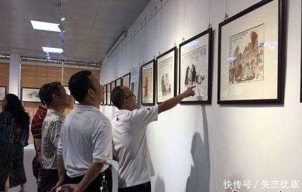 解放公园美术馆《休闲时光》画展上,8幅作品现场找到有缘人