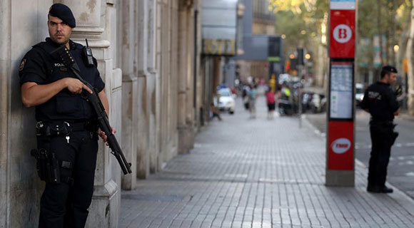西班牙发生恐袭地区加强安保