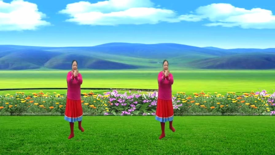 藏族舞《爱在草原》天籁之音旋律悠扬,舞蹈优美大气豪迈!
