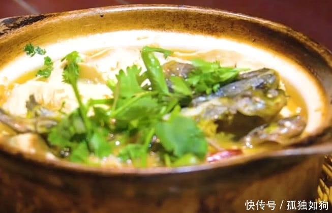扬州必吃的重美食口味,臭豆腐炖肥肠,如此食物酸菜是碱性特色吗图片