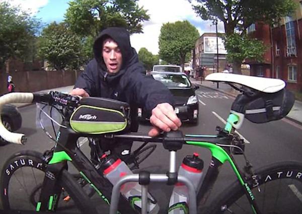 英偷车贼为偷汽车上的自行车跟车跑数十米 -  - 真光 的博客