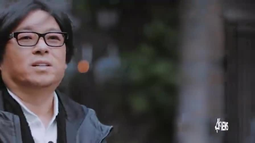 51岁高晓松中年减肥成功变帅型男,同框小20岁鲜肉毫不输阵