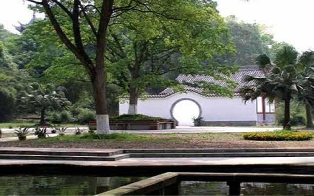 生态上佳,集历史文化与自然风景于一体的风景区,将再现龙马潭龙王庙