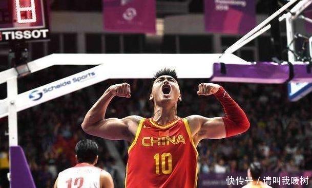 """中国男篮的""""合影狂魔"""", 当年姚明旁边的小屁孩帮男篮亚运夺冠"""