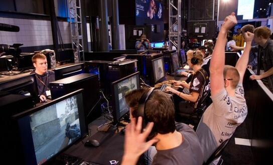 完美世界正式宣布代理《CS:GO》