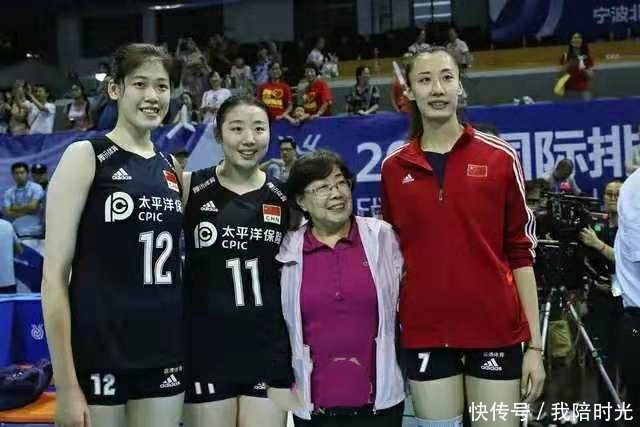 天津领导亲自来挖朱婷一张合照引人猜想,天津队有望成为大赢家