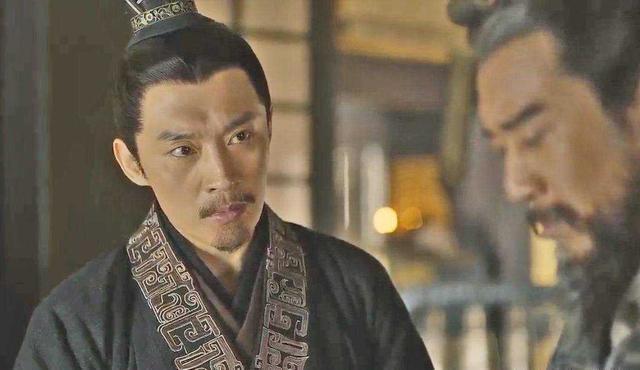 百信爱戴和权贵惧怕的小官:皇帝叫他低头认错,他撞墙寻死