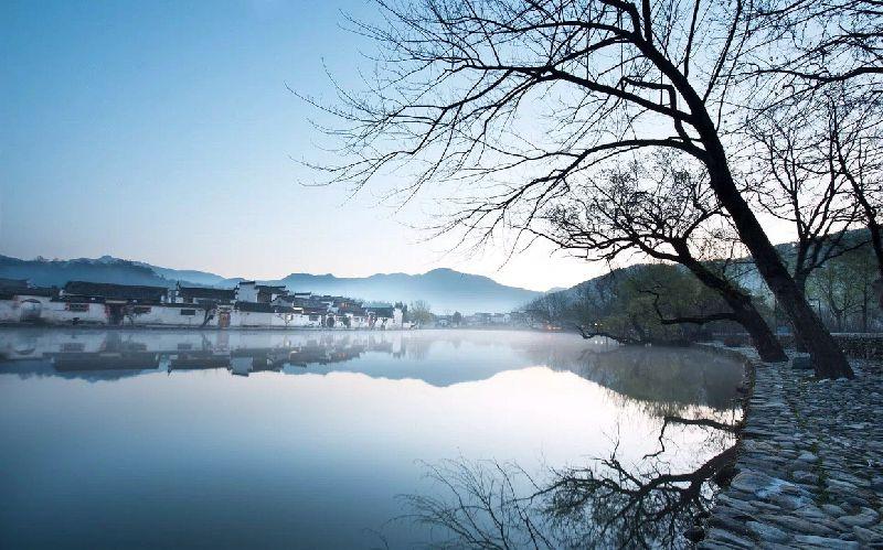 """这个位于位于黟县城西北角的乡村,素有""""中国画里乡村""""的美誉."""