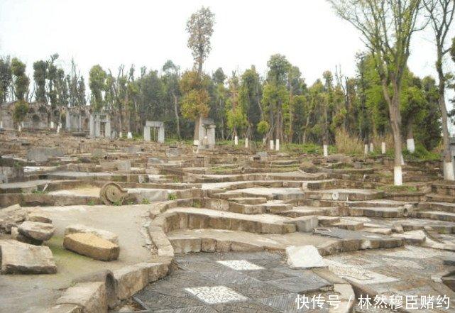 国内最高中的奇葩,明明在四川却以重庆命名,还中介留学大学图片