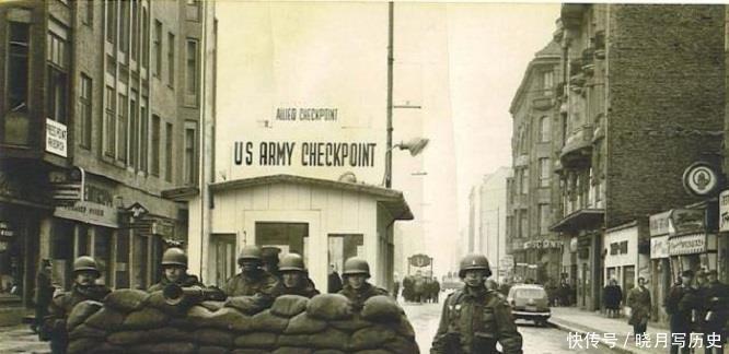 300万军队抵抗没一个月投降,敌人退兵后此国多了20万小孩