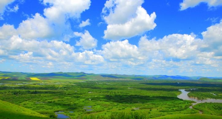 地势东北高,西南低,自东北根河上游河源附近平顶山海拔1451米,沿根河