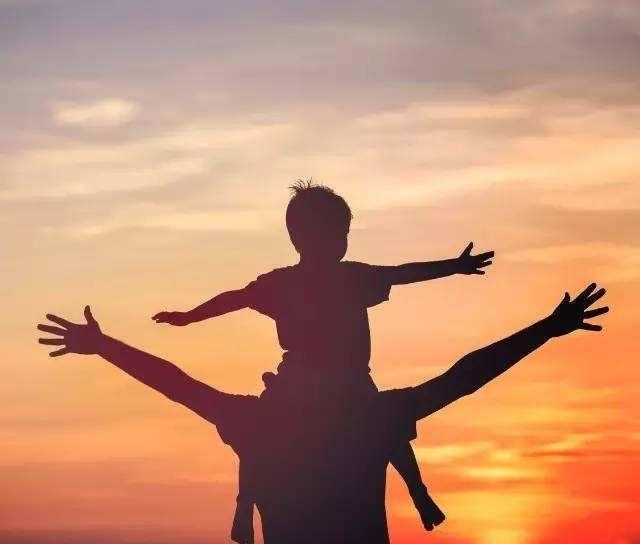 男人是家庭支柱,在孩子面前,怎么当个好爸爸