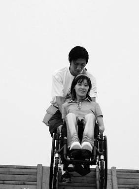 体坛最的爱情故事:13年深情守护瘫痪桑兰