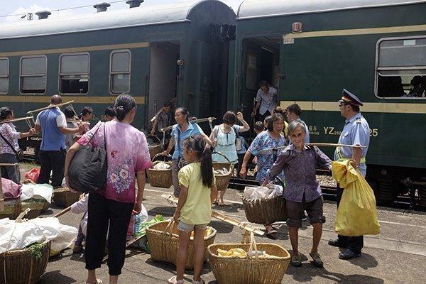 京广线上还有这样一列免费的火车 - 周公乐 - xinhua8848 的博客