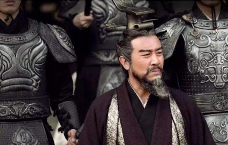 """曹操说孙权""""生子当如孙仲谋"""",刘备如何评价孙权?看后我不厚道的笑了"""
