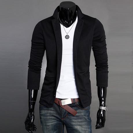 小西装(黑色的),里面搭配什么颜色t恤和什么颜色衬衫