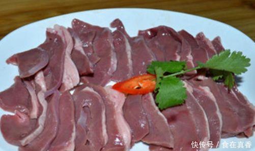 """一头猪只有一个""""它"""",想买要起早,比排骨还营养,比五花肉好吃"""