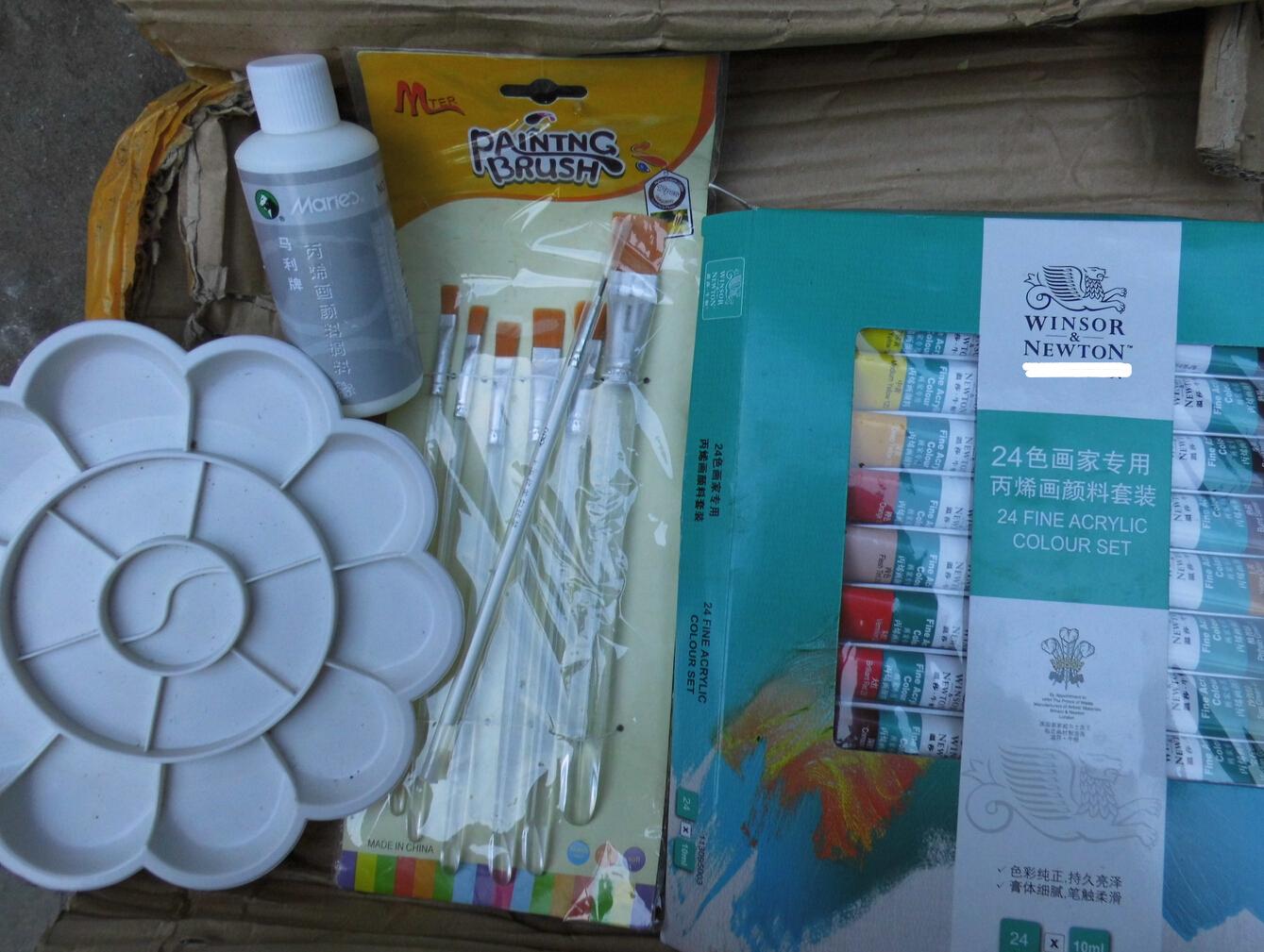 丙烯颜料即溶于水,又可以方便的溶于油画