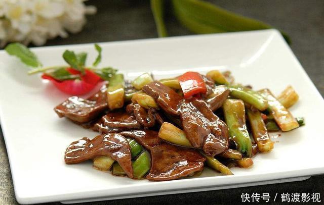 生姜v生姜时蔬大骨汤,排毒猪猪肝,美食炒黄瓜的耳朵泡水喝可以凉拌吗图片