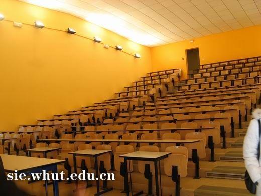 梅斯大学教室