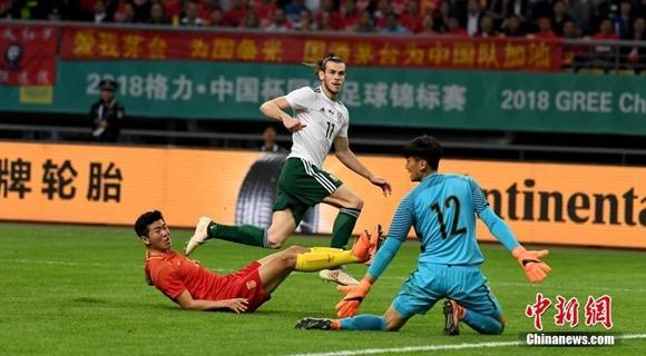 """中国队0:6惨败威尔士 贝尔上演""""帽子戏法"""""""