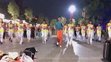 大团队健身舞《老乡》阵容强大,场面壮观,嗨爆广场震憾推送!