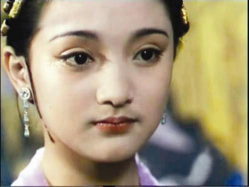 那些当年刚刚出道的女明星们,林心如青春无敌,刘亦菲亭亭玉立,最后图片