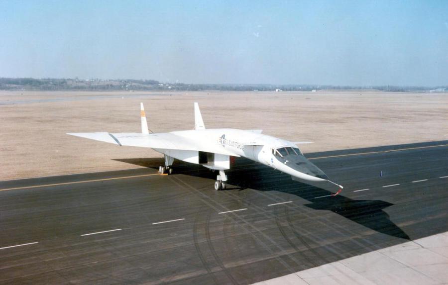 """冷战产物b-70""""女武神"""" 史上最贵飞机"""