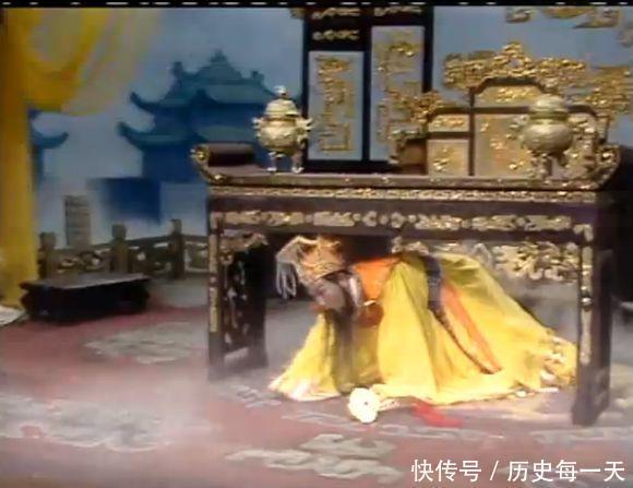 孙悟空真把玉帝打下桌其实天庭有2人能吊打猴子