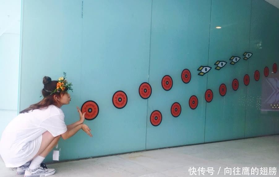 赖美云的哪吒头够可爱了,当她剪完学生头,知圆形丸子头扎法图片