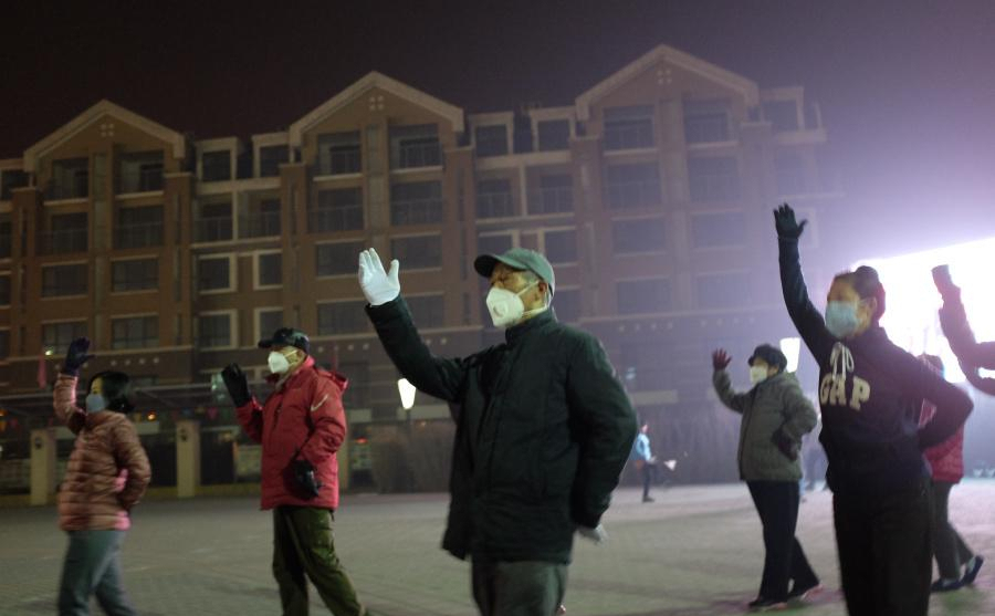 【转】北京时间      北京雾霾爆表 大爷大妈戴口罩跳广场舞 - 妙康居士 - 妙康居士~晴樵雪读的博客