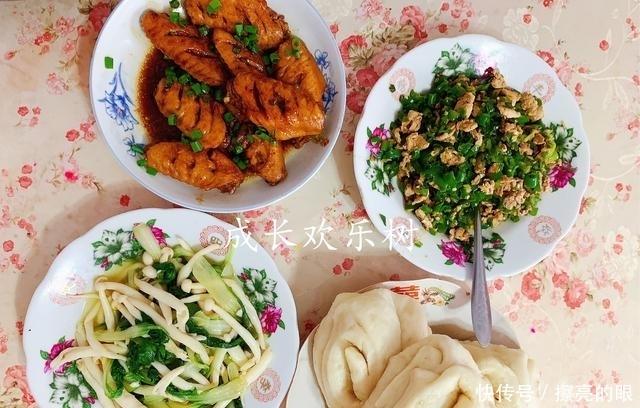 一大家子的晚餐,宝妈和婆婆一起做,普通食材吃出家的味道
