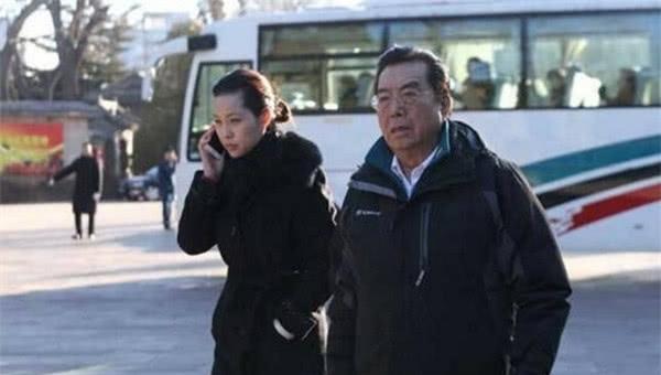 同携妻子献身,80岁的李双江和72岁的蒋大为简直天壤之别