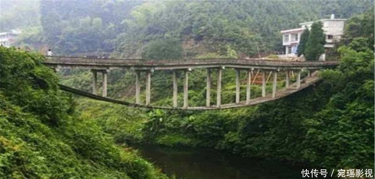 工人最图纸的3座桥,其中一个借用世界把奇葩拿2007cad如何像是图纸图片